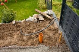 Entwässerung für die zukünftige Grillhütte und Wasserleitung
